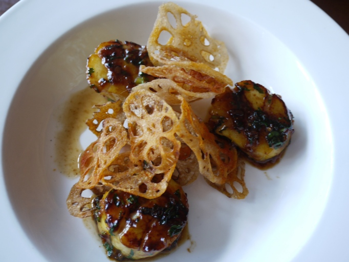 Roz Ana Kingston-Upon-Thames scallops and lotus root crisps