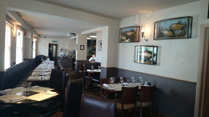 albert arm's esher dining area