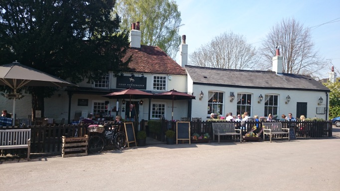 four horseshoes exterior