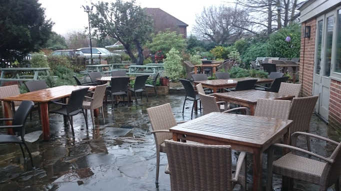 Three Horseshoes Laleham outdoor patio