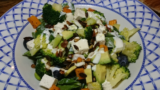 Three Horseshoes Laleham superfood salad